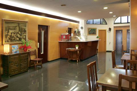 e13f0-hoteleuropa-bar.jpg