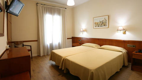 Welcome To Hotel Europa Girona